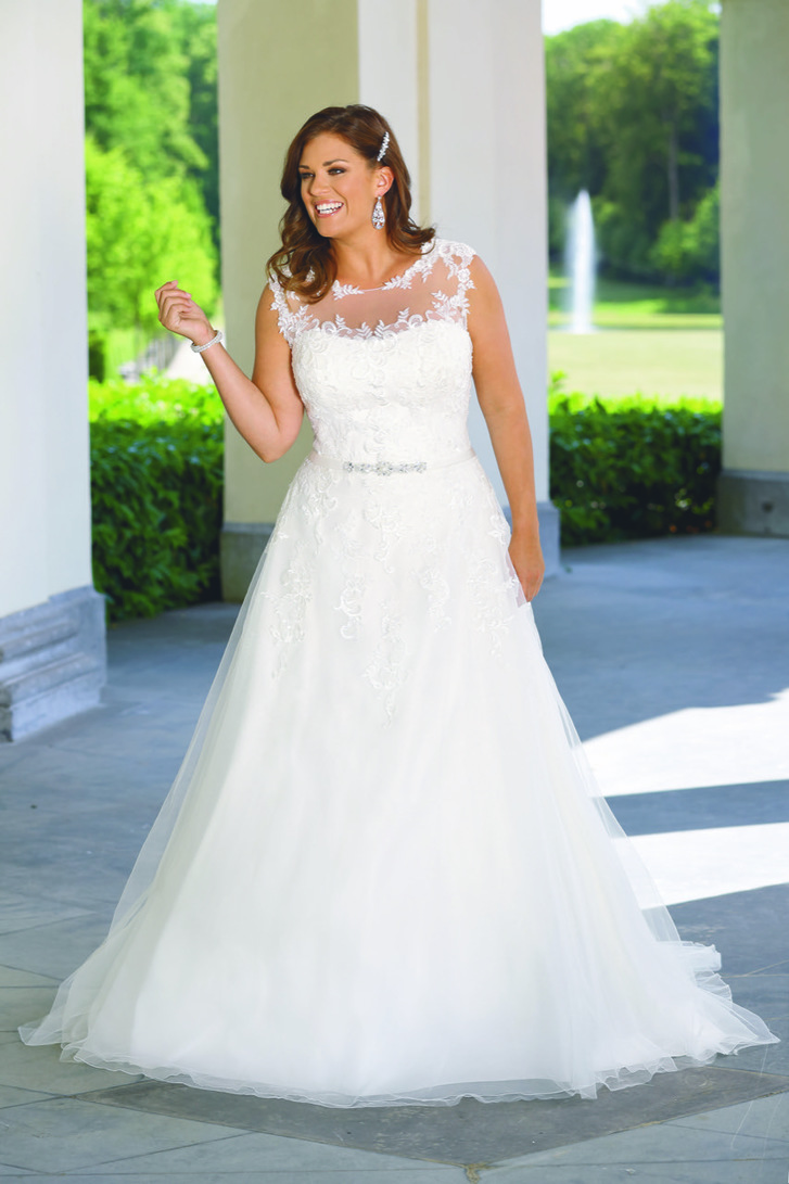 Plus size collectionplus size wedding dresseswokinghamberkshire daydream ombrellifo Choice Image
